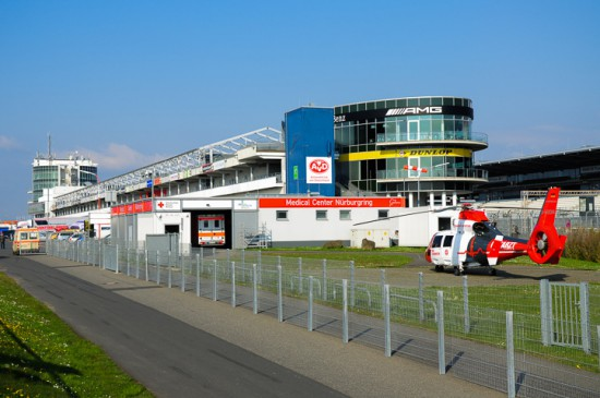 "Der ITH ""Air Rescue Nürburgring"" ist am Medical Center der weltberühmten Rennstrecke stationiert"